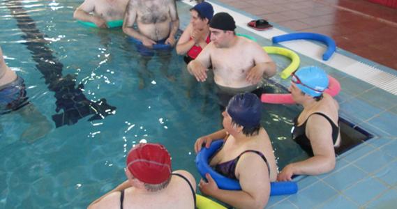 Programa de actividades l dico deportivas programas for Piscina carballo